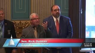 Sen. Outman recognizes Feb. 1 as Blue Star Mother's Day