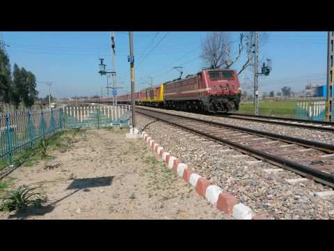 1st video of LHB Jallianwala Bagh Express with both Double Decker EOG