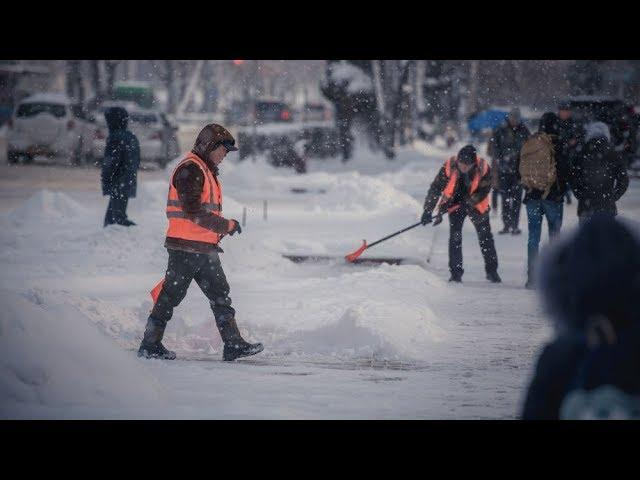 Коммунальные службы Бишкека перешли на круглосуточный режим работы из-за снега