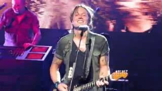 The Fighter Keith Urban ft Carrie Underwood Cincinnati Ohio 7-14-16 Riverbend