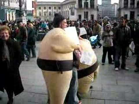 Sumo hugs in MILAN :)