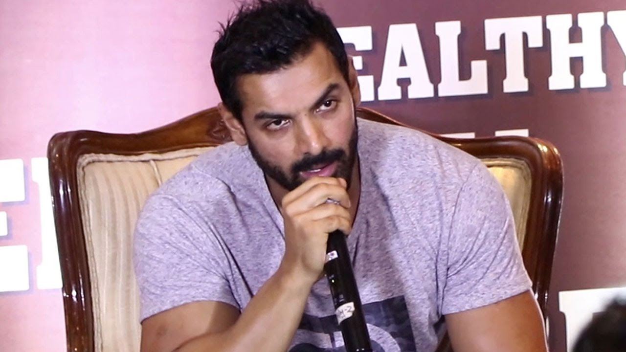 john abraham pushing fans - 1280×720