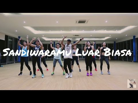 Joget Sandiwaramu Luar Biasa - Siti Badriah Ft. RPH Donall  ZUMBA || Dangdut || At Global Balikpapan