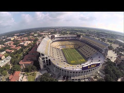 Top 10 biggest stadiums in America and the world!