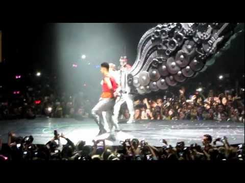 Justin bieber live in Portugal  HD  all around the world ( complete opening )