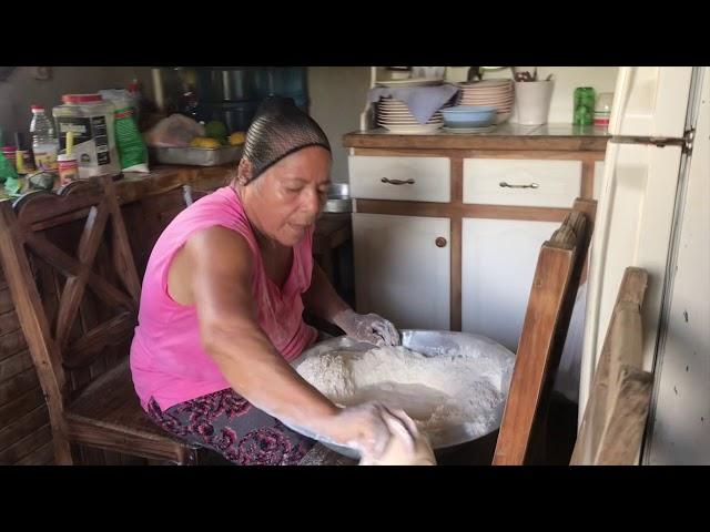 Mano Vuelta - Cipriana, la panadera - Manzanillo