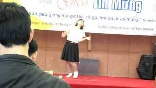 Múa hội trại trung thu Ngợi Khen Chúa tại Hàn Quốc