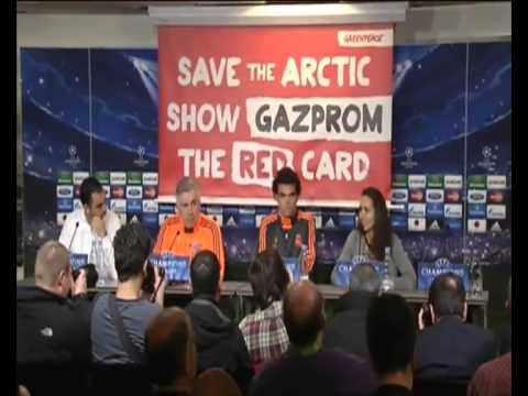 Greenpeace Real Madrid Gazprom Protest