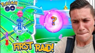 MY FIRST GYM RAID EVER IN POKEMON GO! WHAT IS GYM RAIDING LIKE?