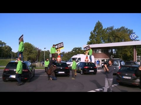 Protest by Greenpeace at Volkswagen headquarters
