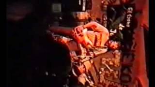 Sin dios - 12. Miseria y traición (En directo, Febrero 13/1998)