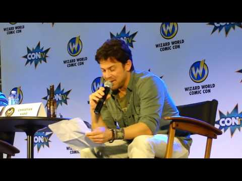 Christian Kane reciting Lord Byron at Wizard World