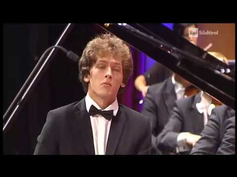 2017 Grand Final - Ivan Krpan - Croatia - Ludwig v. Beethoven - Piano Concerto no. 5