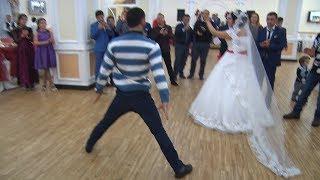 Лезгинка с Невестой на Интернациональной Свадьбе и Бар