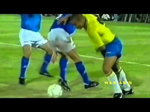 "Ronaldo  O Fenomeno  and Ronaldinho Gaucho "" The Brazilian power"".Legendary Skills r9 vs r10 Part.1"