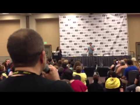 Singing I Know Him So Well with John Barrowman at Philly Comic Con 2013