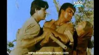 Sunil Dutt gets Aggressive - Mother India