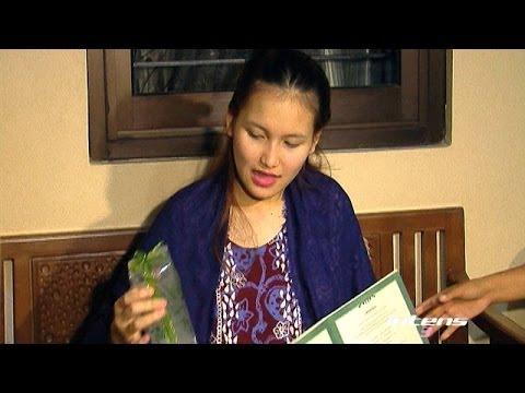 Bagaimana Nasib Undangan Dan Souvenir Pernikahan Ayu Ting Ting? - Intens 14 November 2013