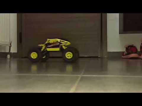 WLtoys 18428 - C 1:18 2.4GHz Off-road RC Car - slow motion d