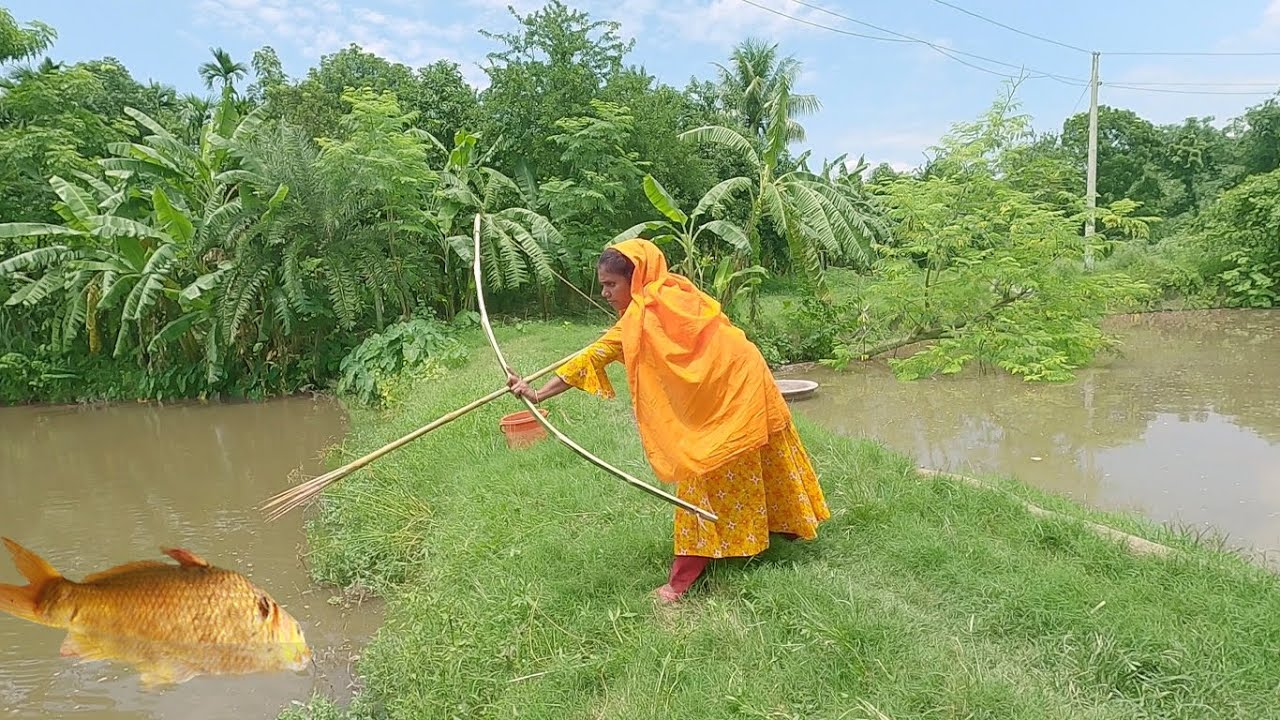 Fishing Technician Lady Making Arrow From Bamboo & Hunting Carp Fish - Arrow/Dhonuk Fishing