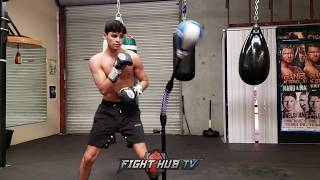 RYAN GARCIA SHOWS OFF IMPRESSIVE DEFENSE ON COBRA BAG - CRACKS IT WITH SPEED & POWER