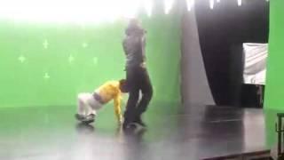 Девочка танцует круче Джастина Бибера(, 2011-06-22T12:59:44.000Z)