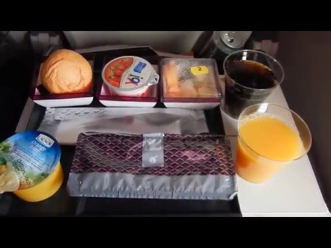 Qatar Airways  QR0834 - meals during the flight to Bangkok and Hanoi