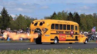 Школьный автобус с реактивным двигателем 25.000 лошадиных сил