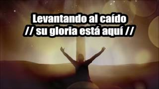 ALGO ESTA CAYENDO AQUI (TONO MUJER)