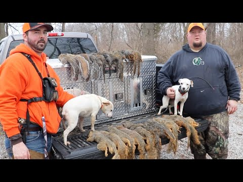 MISSISSIPPI SQUIRRELMEN | Squirrel Hunting With Dogs | Late Season