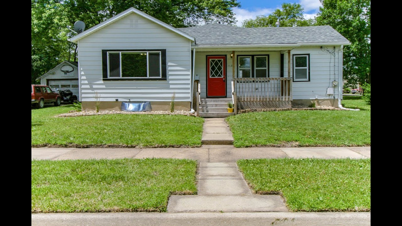 For Rent In Waterloo 1127 Ackermant St IA 50703