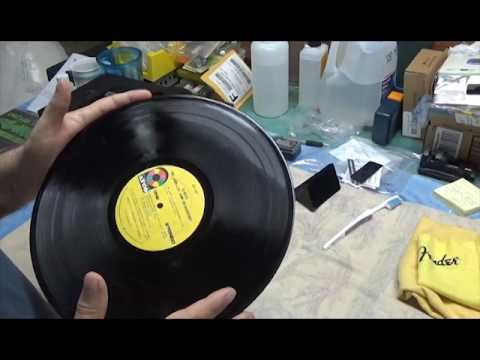 Audiophile vinyl record cleaning demonstration - Record Doctor V