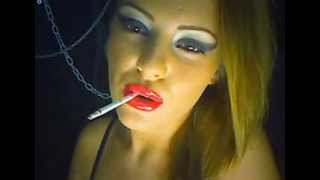 vuclip Sexy smoking girl (Sexy lips and blonde girl)