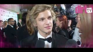 Cody Simpson Hot For A Kardashian? - The Dirt TV