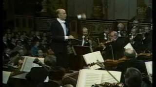 Erich Leinsdorf conducts Johann Strauss