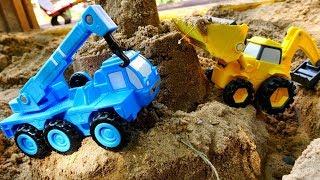 Helfer Autos auf dem Spielplatz Kindervideo auf Deutsch