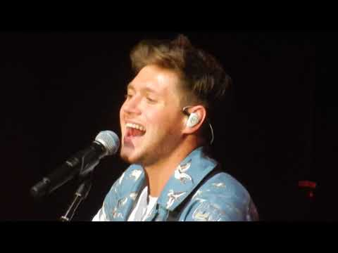 Niall Horan - On My Own live (Orpheum Theater, Boston - November 3rd 2017)
