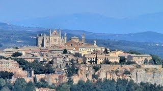 Http://videoturysta.eu[en] orvieto is a town in southwestern umbria (italy), which located 100 km north of rome, on fairly flat top large hill t...