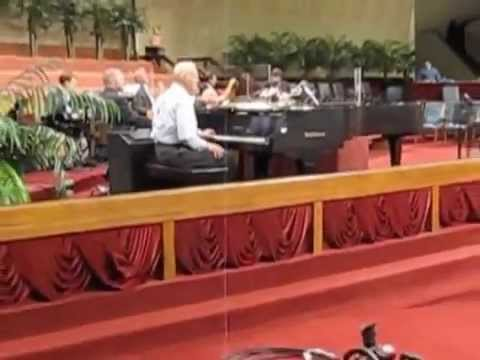 Jimmy Swaggart Piano Prelude 6-18-12