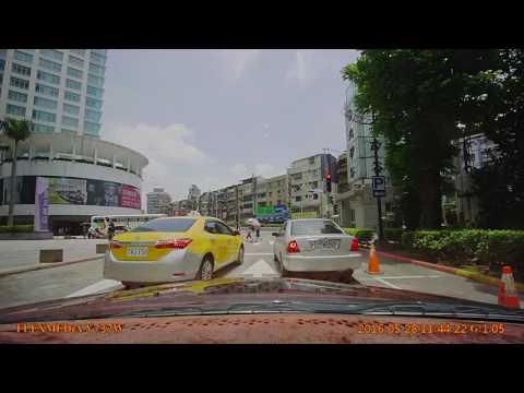 3台車闖紅燈+跨雙黃線