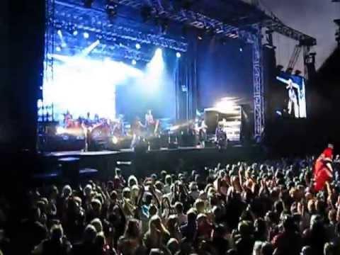 Runrig At Edinburgh Castle 2013 - Ending the concert with