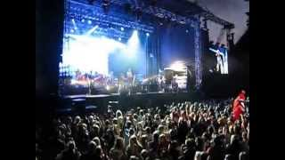 Runrig At Edinburgh Castle 2013 - Ending the concert with