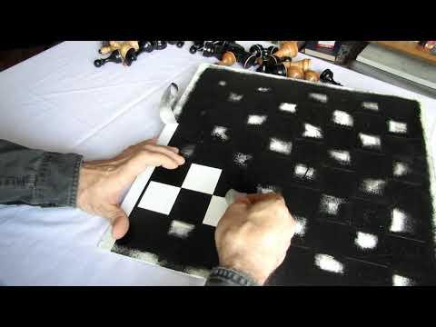 шахматное поле делать из листа фанеры чтобы не растекалась краска