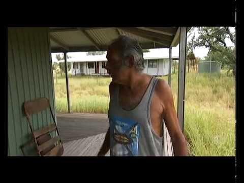 'Forgotten town' Elliott appeals for housing help