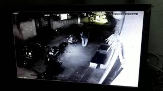 chasing thief in karimnagar