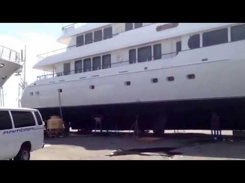 Newport Shipyard, RI, USA