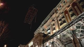 Как Mercedes-Benz Sprinter попал на крышу отеля The Ritz-Carlton?