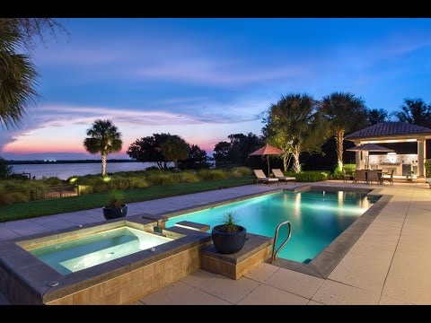 Real Estate Along South Tropical Trail, Merritt Island Florida