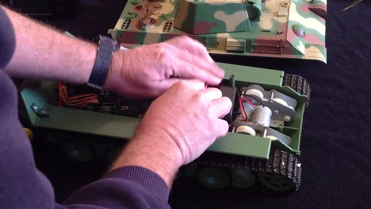 converting a heng long tank to 2 4 ghz operation within 5 m [ 1280 x 720 Pixel ]