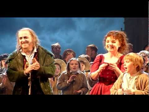 Oliver The Musical - Kerry Ellis, Griff Rhys Jones, Cameron Mackintosh - Last Night